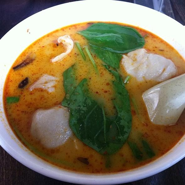 Curry Dumpling Soup @ Plump Dumpling