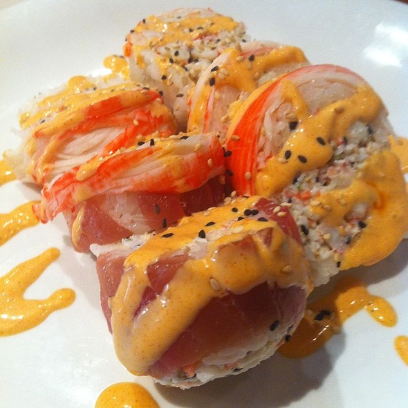 Red Lagoon Roll @ Rumble Fish Sushi