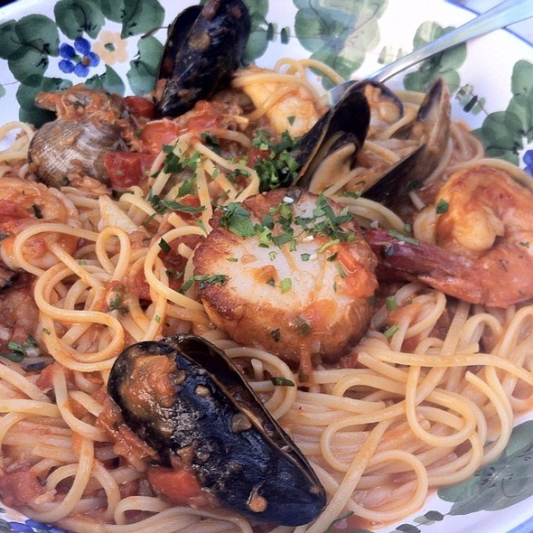 Seafood Linguini - The Ivy, West Hollywood, CA