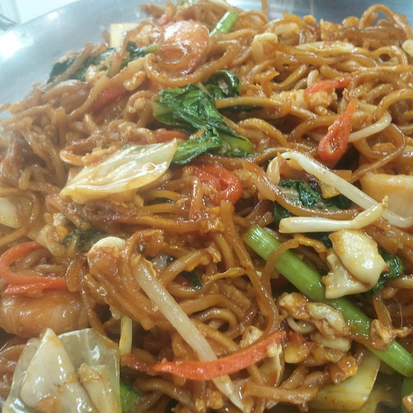 Fried Yee Mee With Seafood