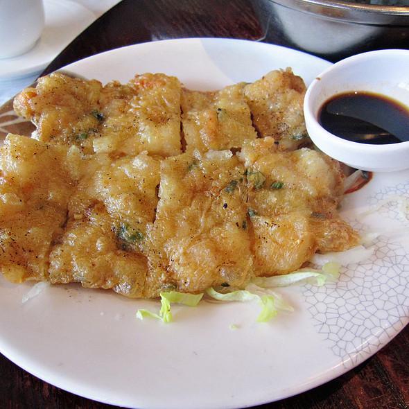 pan-fried shrimp cakes @ De Lange Muur