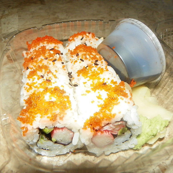 California Roll @ Sushi Maki