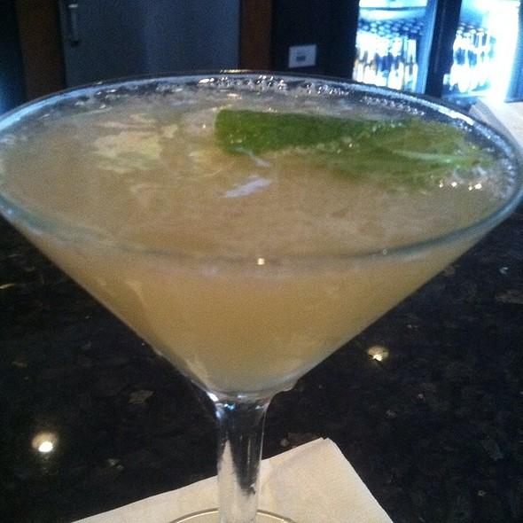 The Lilly Martini @ Currents@ Hyatt Regency