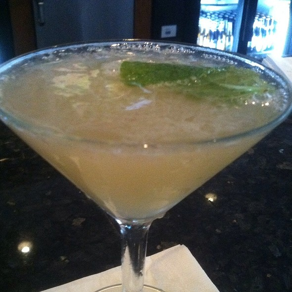 The Lilly Martini @ Currents@ Hyatt Regency