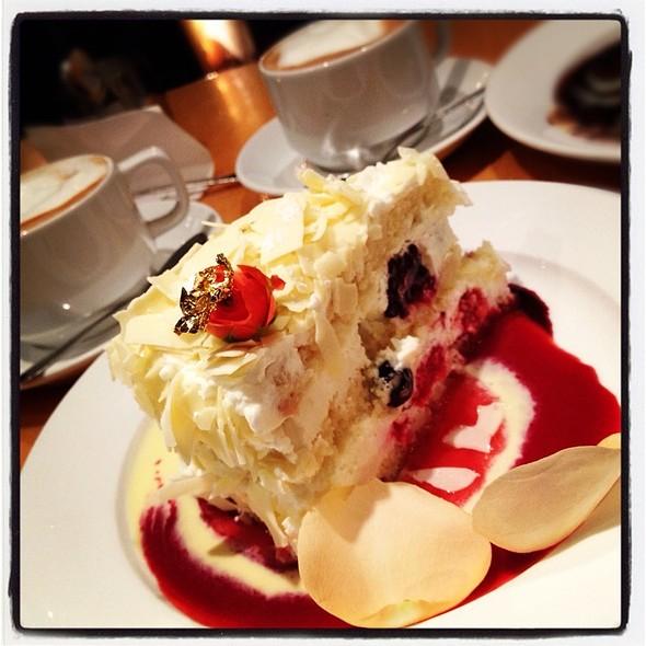 Ivoire Royale @ Extraordinary Desserts