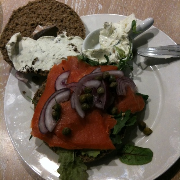 Wild Salmon And Cream Cheese Bagel @ Bagels & Beans, Den Haag, Netherlands