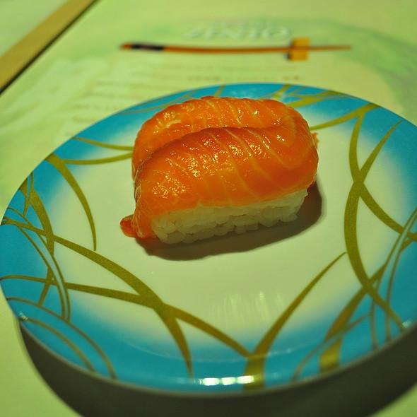 Salmon sushi @ Sushi Zento