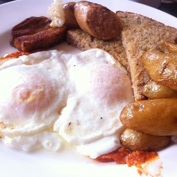 Pork Belly And Eggs @ Gladstone Hotel