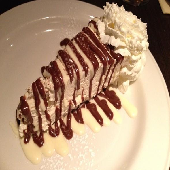 Bailey's Cheesecake @ Botticelli Italian Restaurant
