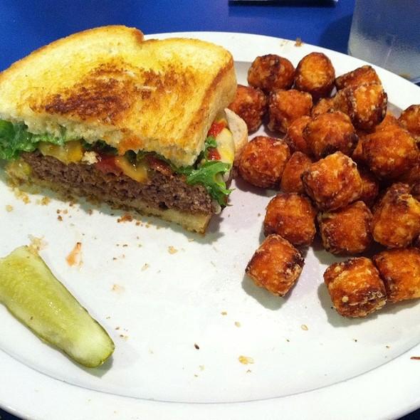 Uptown Burger @ Uptown Dinner