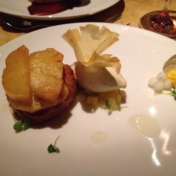 Pineapple Tarte Tartin @ Birch & Barley