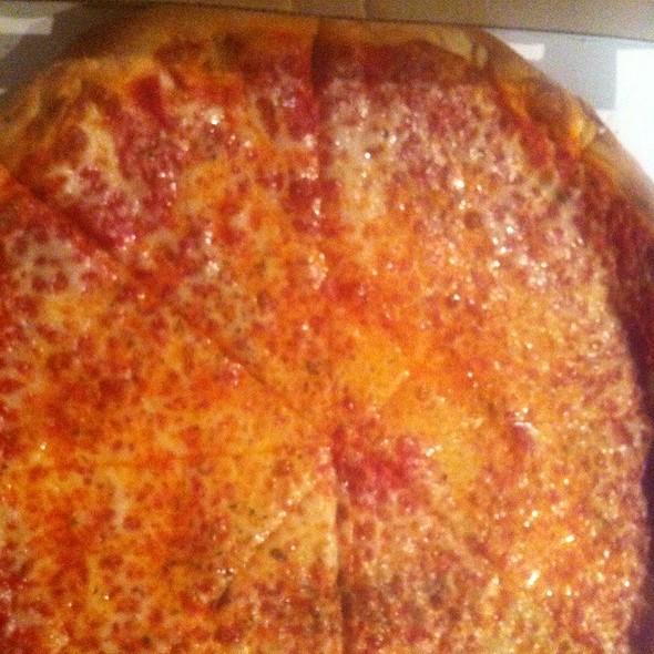 NY Style Pizza @ Mangia Roma