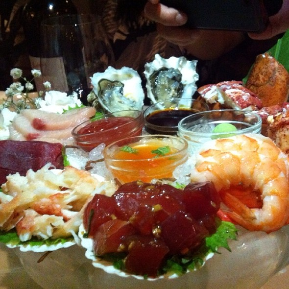mixed seafood platter @ Michel's At the Colony Surf