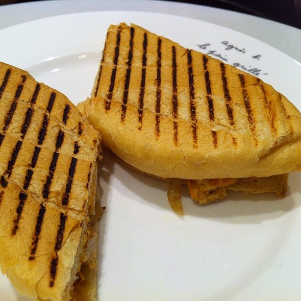 Sandwich @ agnes b. cafe