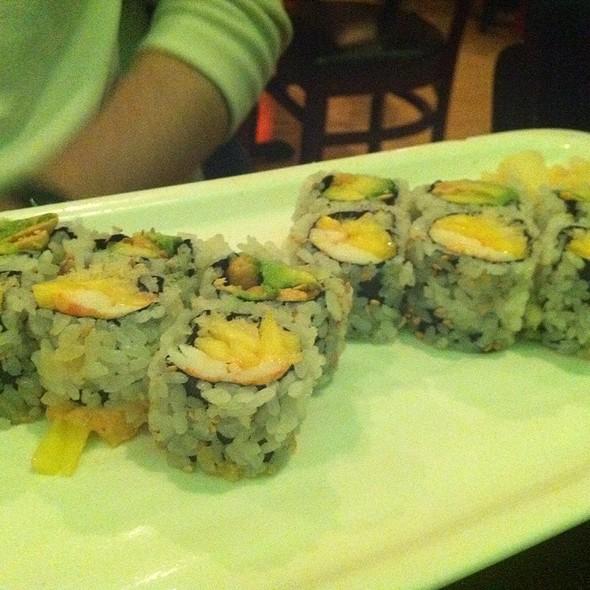 Spicy Mango Shrimp Rolls - Nomado 33, New York, NY