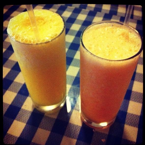 Chicha De Naranja Y Licuado De Melón