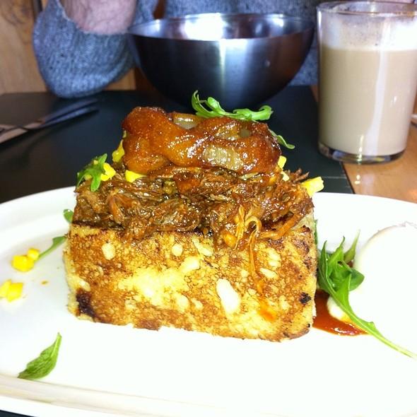 Pain Brioché And Pulled Pork @ Restaurant La Fabrique