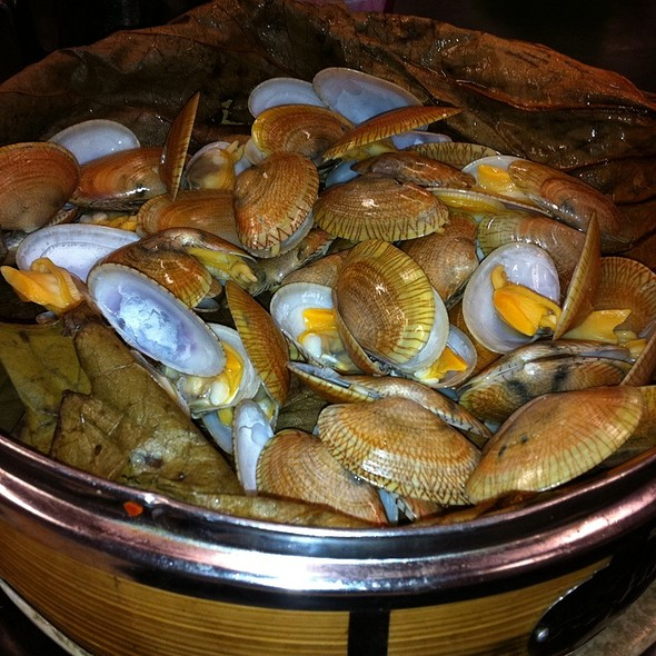 Steamed Clams @ Tung Po Kitchen 东宝小厨