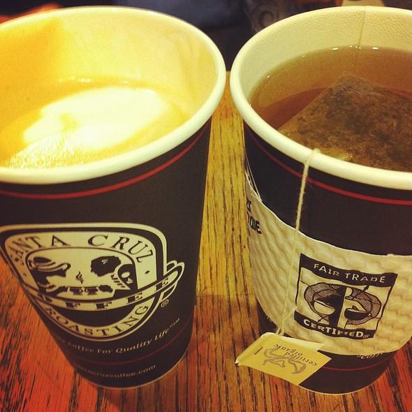 Vanilla Latte @ Santa Cruz Coffee Roasting Co.