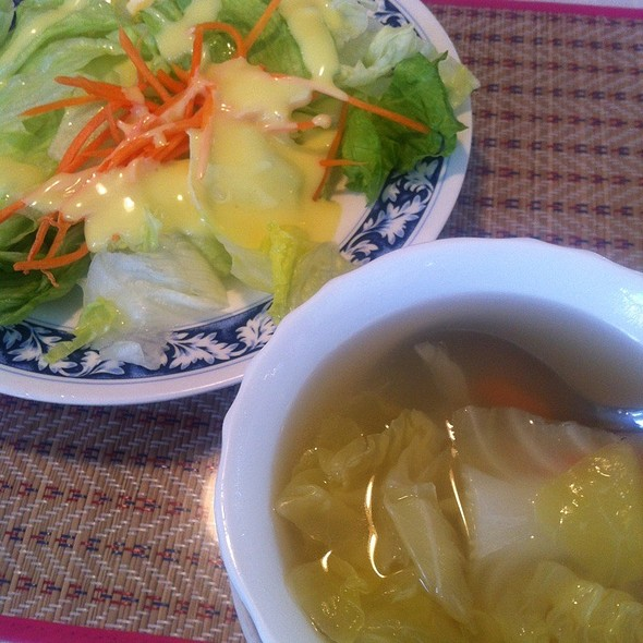 Vegetarian Soup And Summer Salad @ Thai Satay