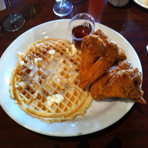 Chicken and Waffles @ Gussie's Chicken & Waffle
