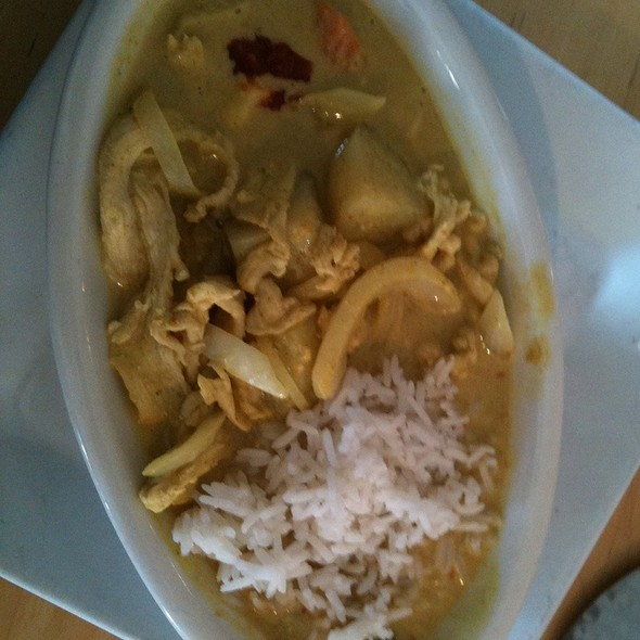 Yellow Chicken Curry At Thai Patio Hollywood