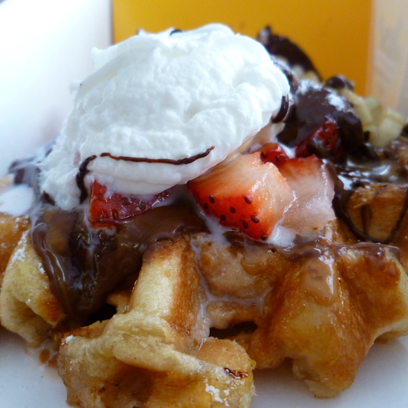 Belgian Waffle @ Wafels And Dinges
