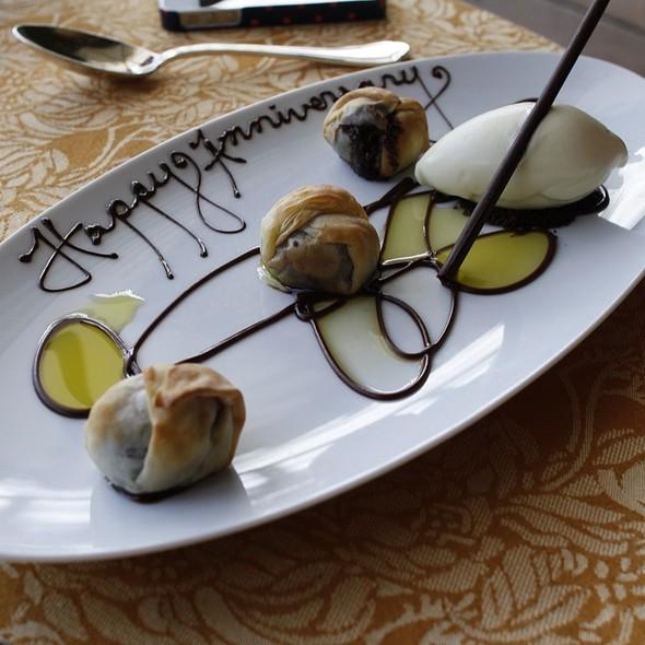 Crisp Filo Wrapped Chocolate Dumplings, Tarragon Ice Cream, Arbequina Olive Oil @ Auberge du Soleil