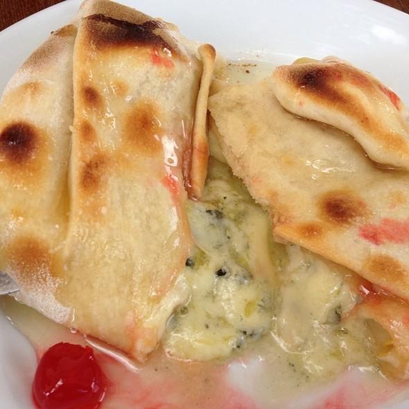 Pear & Gorgonzola Foccaica @ Pireneus Cafe