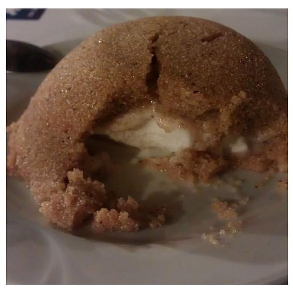Dondurmali Irmik Helvasi