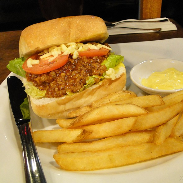 Sloppy Joes & French Fries @ Hyphy's