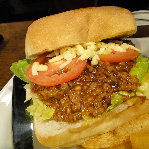Sloppy Joes  @ Hyphy's