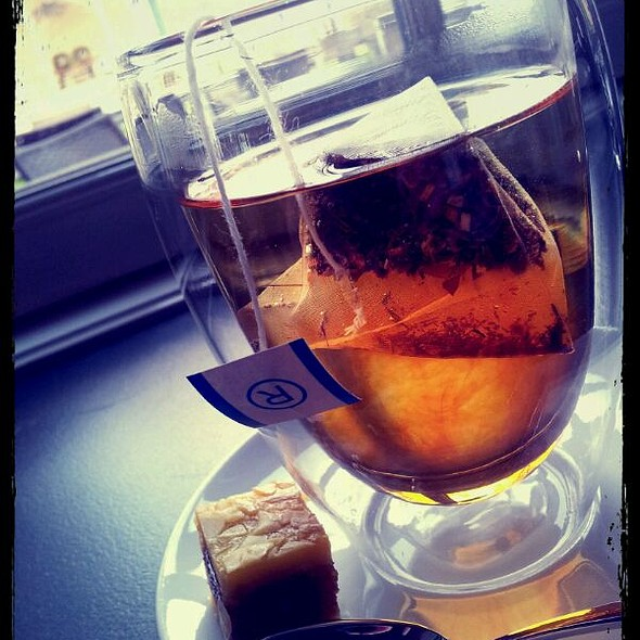 Honeybush Caramel Tea @ Hunting Lodge