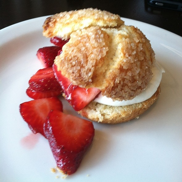 strawberry shortcake @ Cooks County Restaurant