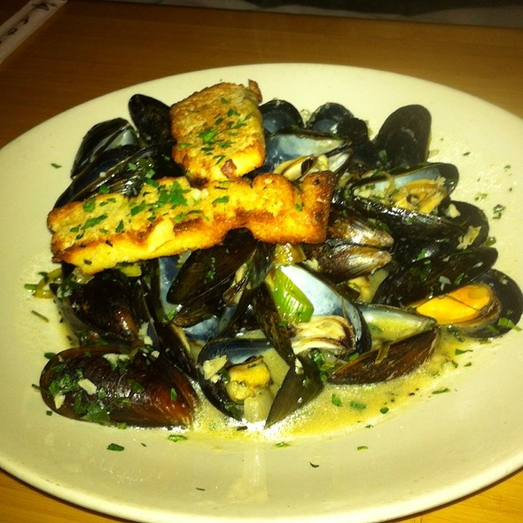 Mussels in White Wine Sauce - Latitude 43, Gloucester, MA