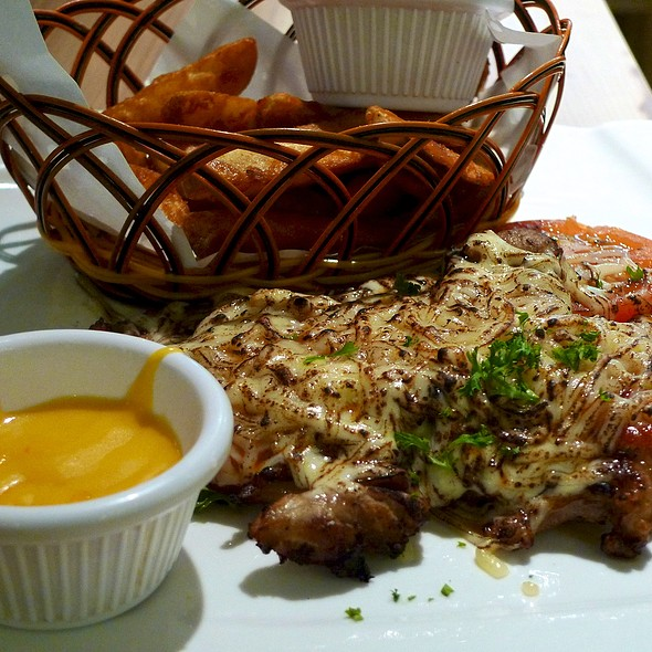 Chicken with Mozzarella Grilled Cheese @ Lenas