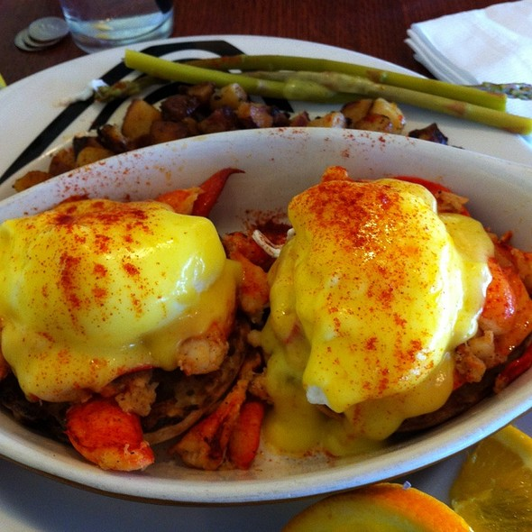 Lobster Eggs Benedict @ Duesenberg's American Cafe