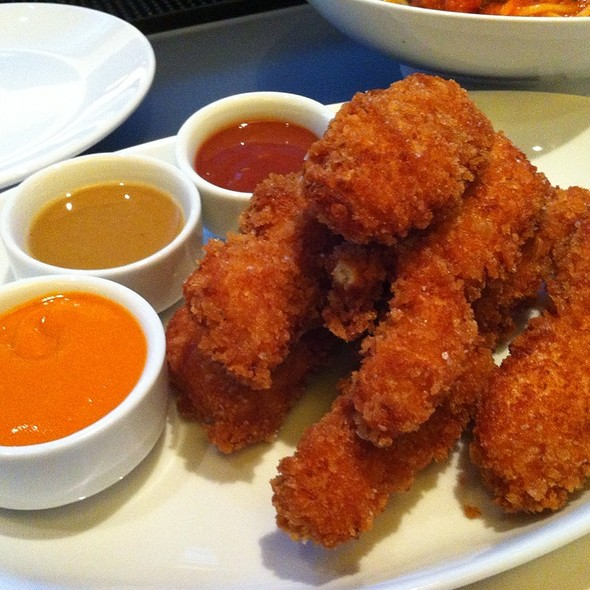 Panko Crusted Chicken Fingers - Clyde Frazier's Wine and Dine, New York, NY