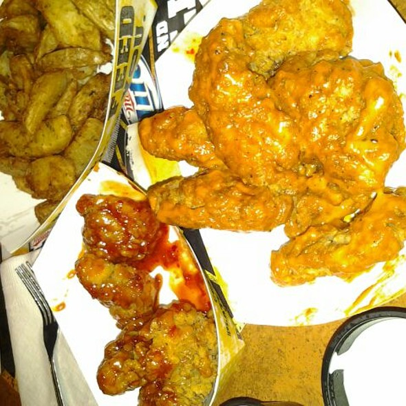 Buffalo Wings & Potato Wedges @ Buffalo Wild Wings