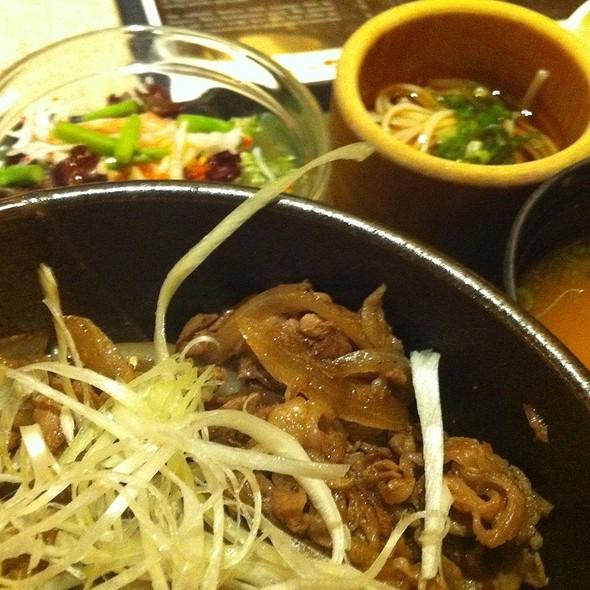 Beef Rice Bowl Lunch Set @ Inaniwa Udon-Nabe Japanese Restaurant