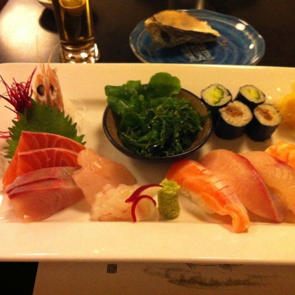 Sushi and Sashimi @ Sakana-Ya Japanese Restaurant