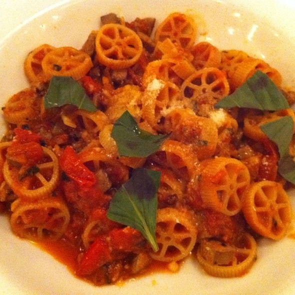 Pasta With Duck Liver And Tomato Sauce