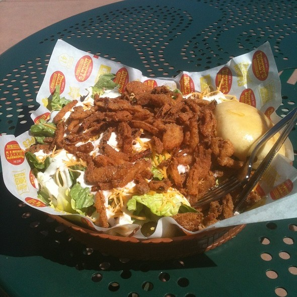 Smokehouse Salad @ Dickey's Barbecue Pit