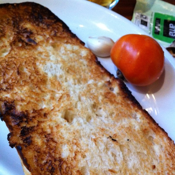 Toasted Bread W/ Garlic & Tomato