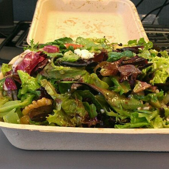 Mixed Greens Salad @ Greenz on Wheelz