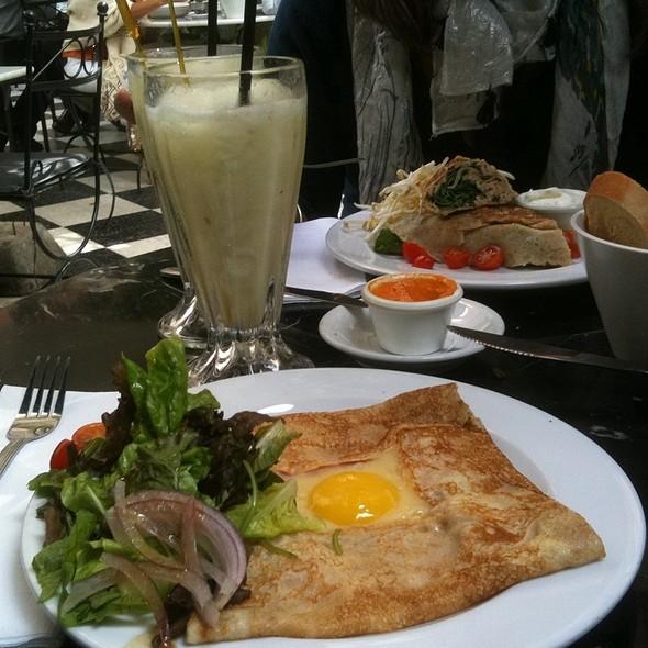 Crepe Completa @ Museo Evita Restaurante