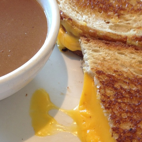 Grill Cheese And Brown Gravy @ All Seasons Diner