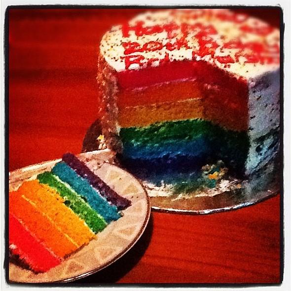 Rainbow cake @ biteme_rainbow