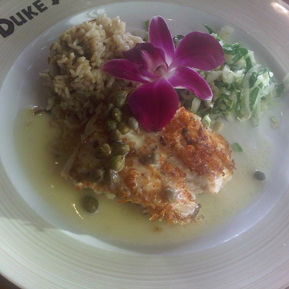 Mahi Mahi @ Duke's Huntington Beach