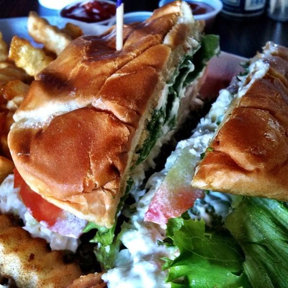 Messy Burger @ Brad's Grill